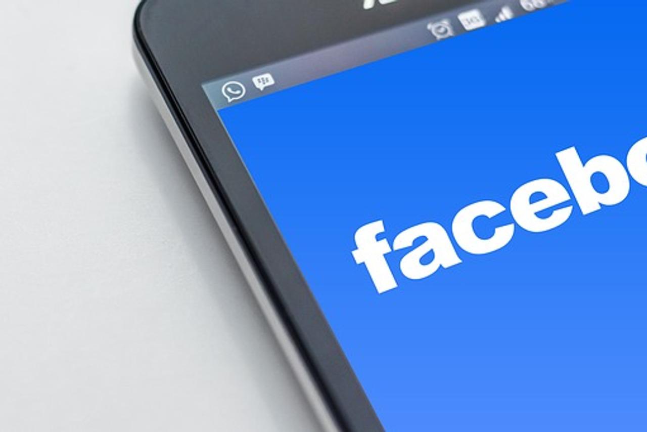 Zviždačica iz Facebooka optužuje platformu za širenje mržnje: 'Moramo te tvrtke pozvati na odgovornost'